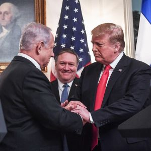 Israelin pääministeri Benjamin Netanjahu ja Donald Trump tapasivat Valkoisessa Talossa.