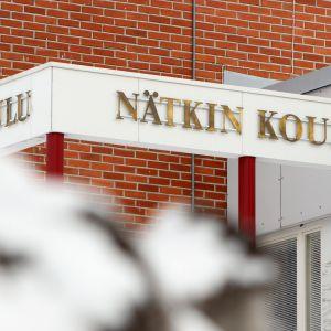 Savonlinnalaisen Nätkin koulun kyltti.