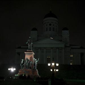 Tuomiokirkko Helsingissä.