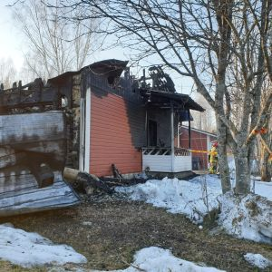 Kangasniemellä kuuden asunnon rivitalon tulipalossa tuhoutunut päätyhuoneisto