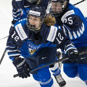 Elisa Holopainen, Naisleijonat
