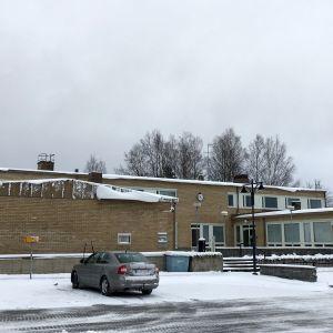 Juvan virastotalo lumen aikaan.