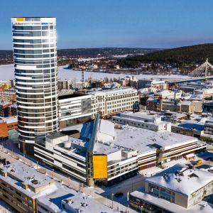 Havainnekuva Rovaniemelle suunnitellusta tornihotellista