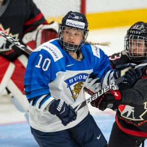 Linda Välimäki (vas.) ja Erin Ambrose