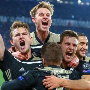 Ajax juhlii