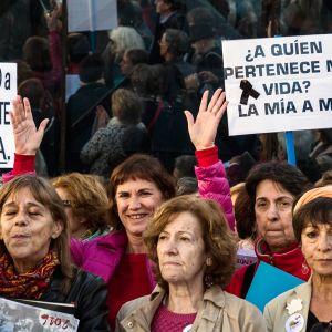 Madridissa osoitettiin mieltä eutanasian puolesta marraskuussa 2015.