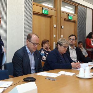 Soiten toimitusjohtaja Minna Korkiakoski-Västi ja hallituksen puheenjohtaja Veikko Laitila kertovat säästöohjelmasta.