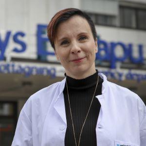 Sally Järvelä, toimialue johtaja, lääkäri, Tays