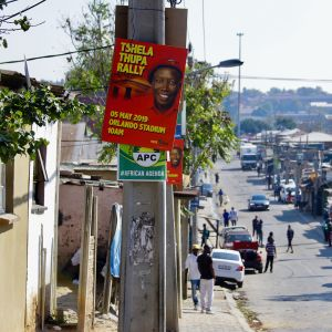 EFF:n Julius Malema yrittää vedota äänestäjiin puhumalla maanomistuksesta.