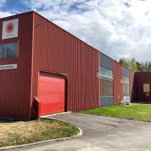 Stora Enson entinen aaltopahvitehdas Heinolassa. Tilalle tulee kalankasvattamo.