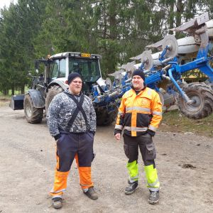 Perttu ja Antti Hakulinen  Perunatalo Hakulinen Liperi.