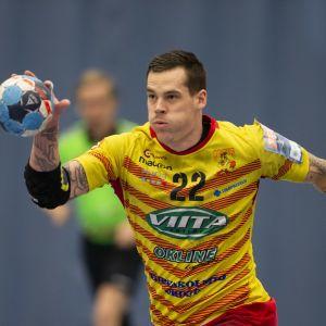 Nico Rönnberg Cocks-paidassa.