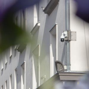 Valvontakamera Oulun keskustassa.
