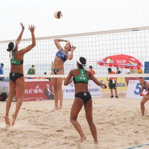 Riikka Lehtonen ja Niina Ahtiainen pelaavat Kiinassa.