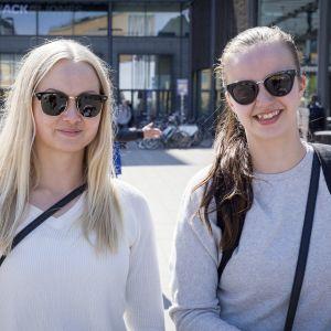 Karoliina Hänninen 27v. ja Nina Boijer 24v.