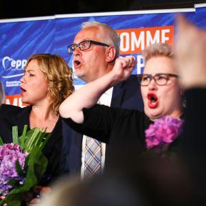 Henna Virkkunen, Petri Sarvamaa ja Sirpa Pietikäinen.