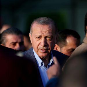 Turkin presidentin Recep Tayyip Erdoğanin mukaan maa ei aio perääntyä Venäjän kanssa solmituista asekaupoista.