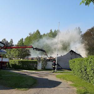 Tulipalo Niinivaara Joensuu