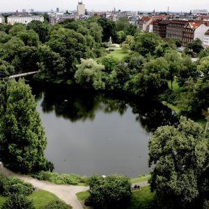 Puistonäkymä Kööpenhaminasta.