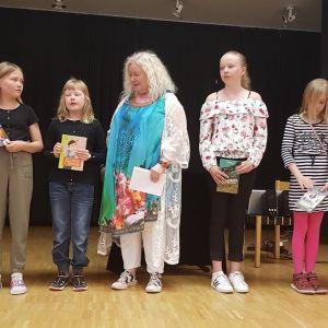 Lasten LukuVarkaus -palkinto Marjut Brunilalle