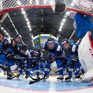 Jääkiekon naisten maajoukkue MM-kotikisoissa Espoossa.
