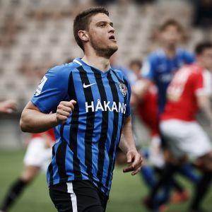 Interin Filip Valencic jalkapallon miesten Veikkausliigan ottelussa HIFK:ta vastaan toukokuun lopussa.