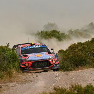Rallin MM-sarjan kolmantena tällä hetkellä oleva Thierry Neuville sijoittui Sardiniassa kuudenneksi.