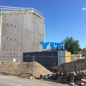 Asuinkerrostalo rakenteilla Kuopion keskustassa kesällä 2019.