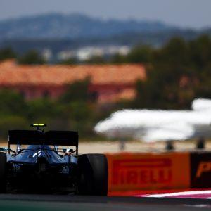 Ranskan GP:n ensimmäisenä harjoituspäivänä radan asvaltin lämpötila kohosi yli 50 asteeseen.