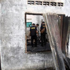 Pohjois-Sumatralla sijaitseva syttyttimiä valmistava tehdas paloi perjantaina.