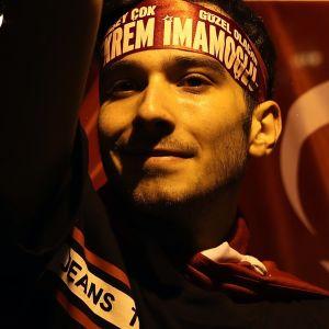 Ekrem Imamoğlun kannattaja