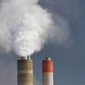 UPM Kaukaan tehtaan piippu