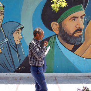 Yhdysvaltojen ja Iranin kriisi on syventynyt Omaninlahdella tehtyjen öljytankkeri-iskujen ja yhdysvaltalaisen lennokin alasampumisen jälkeen. Yhdysvallat syyttää näistä Irania, mutta Iran on kieltänyt syytökset.