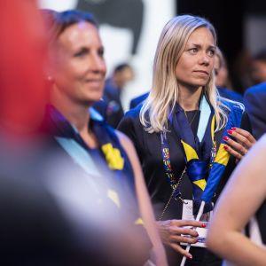 Ruotsin Frida Hansdotter ja muita Tukholman olympiahaun jäseniä