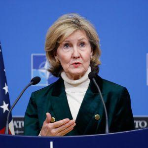 Yhdysvaltain Nato-suurlähettiläs Kay Bailey Hutchison kuvattuna Naton päämajassa Brysselissä helmikuussa.