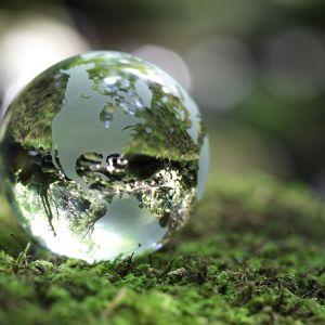 Maapallo luonto kulutus ylikulutus energia.