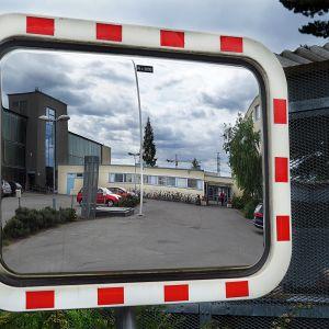 Nuorisosäätiön konttori Helsingin Herttoniemessä.