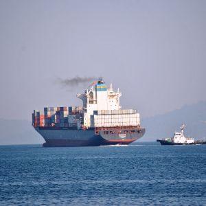 Rahtialus MV Bavaria kuljetti vuosikausia Filippiinien satamissa muhineita jätteitä takaisin Kanadaan.