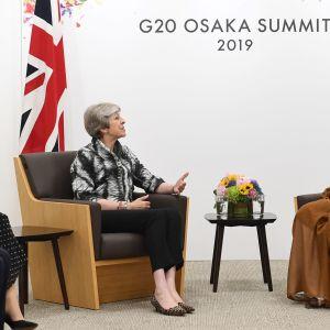 Britannian pääministeri Theresa May tapasi Saudi-Arabian kruununprinssin Muhammed bin Salmanin G20-kokouksessa Japanin Osakassa lauantaina.