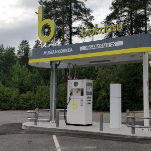 Biokaasun tankkausasema Jyväskylän Seppälässä.