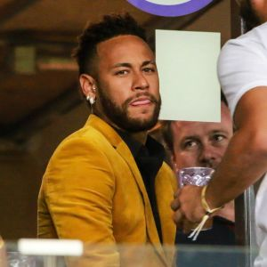 Neymar katsoo Copa Americaa