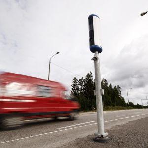 Uusi liikenteenvalvontakamera Valtatie 6:n varrella Kouvolassa