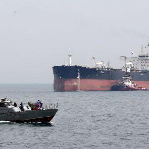 vene ja öljytankkeri