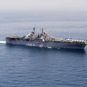 Amerikkalainen USS Boxer -alus.