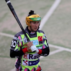 Porin Pesäkarhujen jokerilyöjä Susanna Puisto toukokuisessa ottelussa Lapualla.