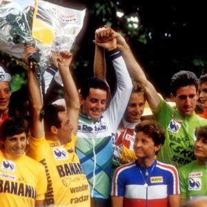 Jeannie Longo juhli keltaista paitaansa yhdessä miesten Tourin voittajan Bernard Hinault'n kanssa.