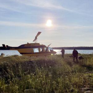 Kanadan ratsupoliisi etsii murhasarjasta epäiltyjä nuorukaisia Manitobassa.