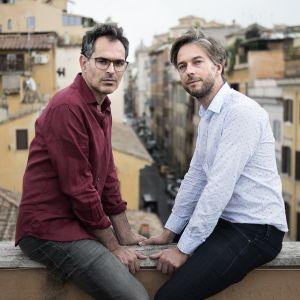 Luca Ragazzi (vas.) ja Gustav Hofer tunnetaan Italiassa tasa-arvoa käsittelevistä elokuvistaan.
