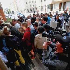 Journalisteja saapuu  Asap Rockyn oikeudenkäyntiin 1. elokuuta Tukholmassa.