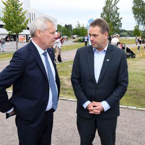 Pääministeri Antti Rinne ja Helsingin pormestari Jan Vapaavuori.